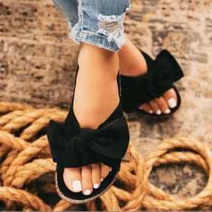 Shoes - Cute black bow slip on